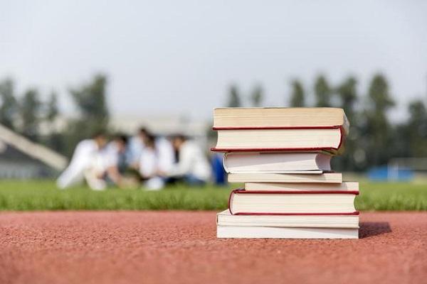 Du học sinh cần chấp hành nghiêm chỉnh các nội quy nhà trường